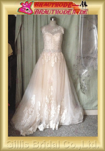 Tulle Applique appliqued appliques beads Embroidery beaded Beading embroidery Off-the-shoulder Monarch Royal A-line Simple A-line bridal gowns A-line wedding dresses Color Accented dresses color accented 801133